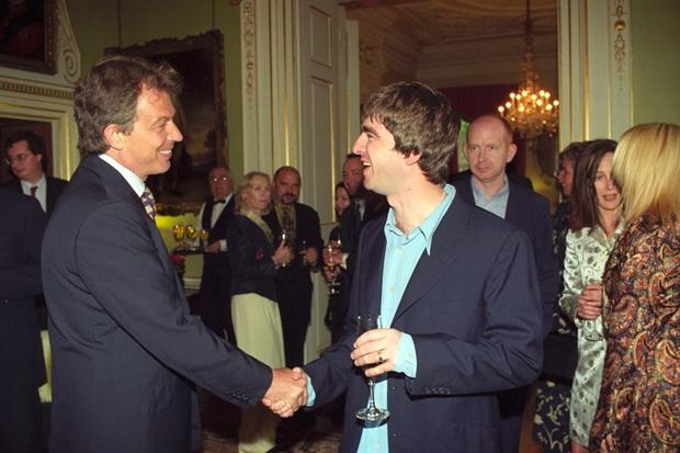 Tony Blair con Liam Gallagher degli Oasis